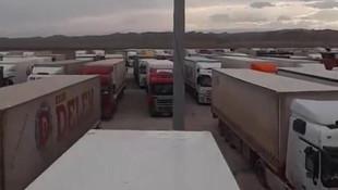 700 Türk şoför Türkmenistan sınırında mahsur kaldı