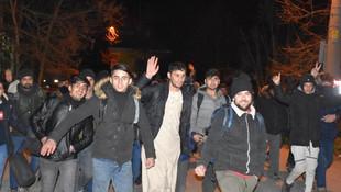 Mülteciler Yunanistan sınırına akın etti