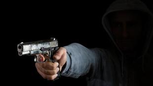 Liseli genç annesiyle tartışan babasını öldürdü