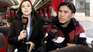 Türkiye'den ayrılmak için yola göçmene mikrofon uzatıldı !