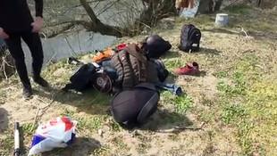 Suriyeli sığınmacılar nehri yüzerek geçti!