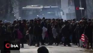 Yunan polisi göçmenlere gaz bombası attı!