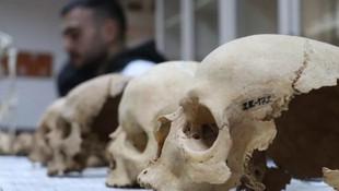 İnsan kemikleri ile tarih yazıyorlar !