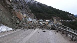 Bolu'da kara yolunda heyelan