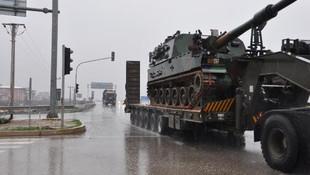 Suriye sınırına obüs ve zırhlı araç sevkiyatı