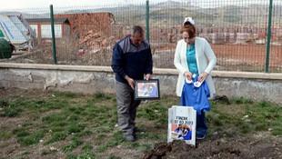 Elveda Fındık! Önlüklü fotoğrafı mezarına asıldı
