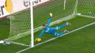 Konyaspor-Fenerbahçe maçında tartışmalı gol pozisyonu