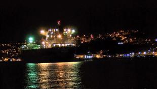 İstanbul Boğazı'nda korku dolu anlar! Gemi kıyıya çekildi