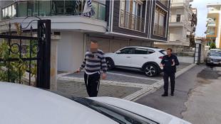 Antalya'da şizofren dehşeti! Babasını öldürüp, annesini yaraladı!