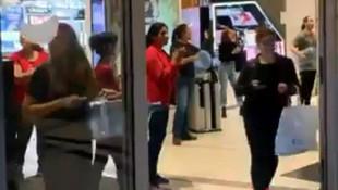 AVM çalışanlarından koronavirüs protestosu: Müşterileri böyle kovdular!