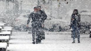 Baharı beklerken kış geri döndü! Kar, sağanak ve fırtına uyarısı