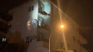 İstanbul'da 4 katlı binanın balkonları çöktü!