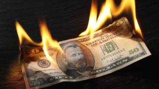 Piyasalar yanıyor! 1,5 yılın rekorunu kıran Dolar/TL 7 TL'ye koşuyor!
