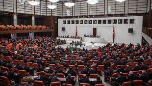 AK Parti ve CHP'den ''af yasası'' görüşmesi