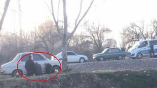Polisi gören yaşlı amcalar böyle saklandı