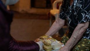 Kadıköy Belediyesi'nden yaşlılara sıcak yemek