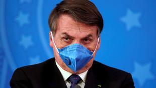 Brezilya Devlet Başkanı ''basit bir grip'' dedi maske taktı !