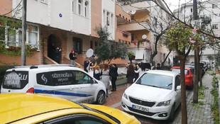 İstanbul'da koronavirüse rağmen yol kapatıp, halay çektiler