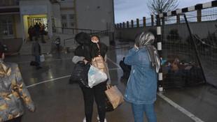 14 günlük karantina bitti, öğrenciler ailelerine kavuştu