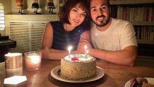 Mustafa Aksakallı sevgilisi Ezgi Mola'nın yeni yaşını böyle kutladı
