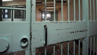 İran'da cezaevinde koronavirüs isyanı