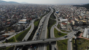 Tuzla ve Silivri'de İstanbul'a giriş çıkış kuyruğu