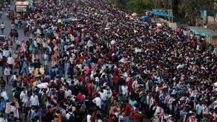 Sokağa çıkma yasağı kararıyla 100 milyon insan yollara düştü