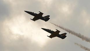 Rus uçakları İdlib'de sivilleri vurdu: 16 ölü