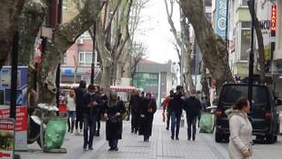 İşte semt semte İstanbul'daki son durum! Sokakların bazısı boş bazısı dolu