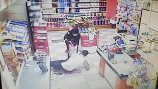 Eşini başka biriyle yakalayınca dehşet saçtı! Kanlar içinde markete sığındı