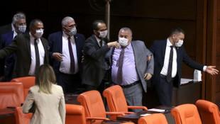 Meclis'teki ağır küfürlü kavganın görüntüleri ortaya çıktı !