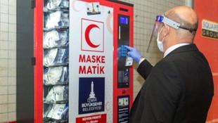 İzmir metrolarında ''Maskematik''ler devrede