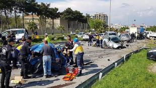 Freni boşalan TIR dehşet saçtı: 5 ölü, 15 yaralı