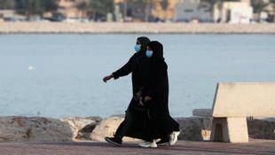 Mekke ve Medine'de sokağa çıkmak tamamen yasaklandı