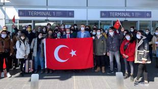 Çekya'daki Türk vatandaşları yurda getiriliyor