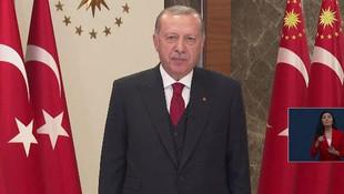 Cumhurbaşkanı Erdoğan halk ile birlikte İstiklal Marşı okudu