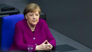 Merkel'in makam aracı şaşırttı
