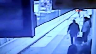 Metro istasyonunda bayılarak raylara düştü