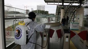 Kartal Belediyesi Marmaray istasyonlarını dezenfekte etti