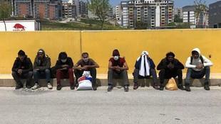 Balıkesir'den İstanbul'a yürürken yakalandılar