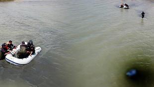 Jandarma ''Van Gölü canavarı'' için drone kaldırdı