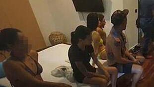 Koronavirüs karantinasında seks partisine polis baskını
