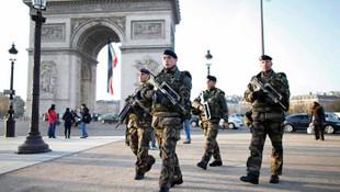 Fransa: 600 asker koronavirüse yakalandı