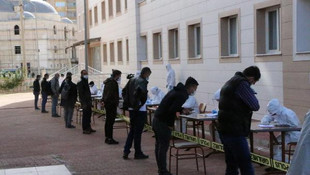 Karadağ'dan getirilen 493 Türk işçi karantinaya alındı
