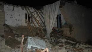 Diyarbakır'da kerpiç ev çöktü: 2 kız kardeş hayatını kaybetti