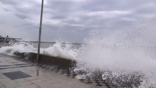 Meteoroloji uyarmıştı! Marmara'yı fırtına vurdu