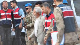 HDP'li Mızraklı, teröristlerin kuryeliğini bile yapmış!