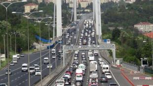 İstanbul'da boğaz köprülerinde trafik yoğunluğu
