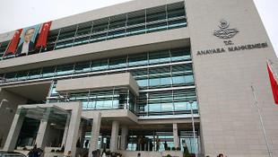 AYM, KHK'lı sözleşmeli personel için o şartı iptal etti