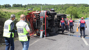 Zonguldak Ereğli'de korkutan kaza! Kamyon devrildi